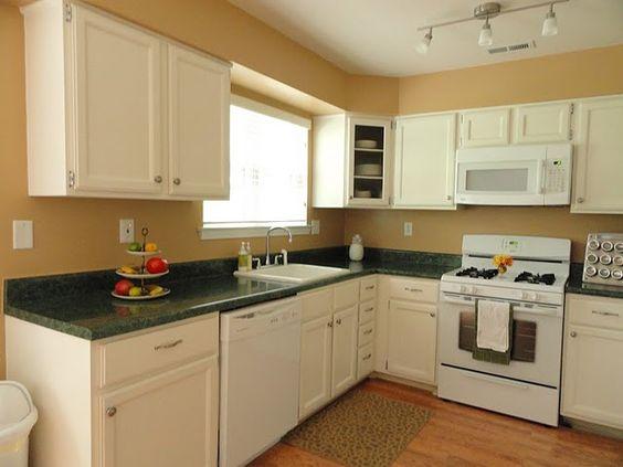 Transforming 39 builder grade 39 to 39 custom 39 cabinets in 1 - Builder grade oak kitchen cabinets ...