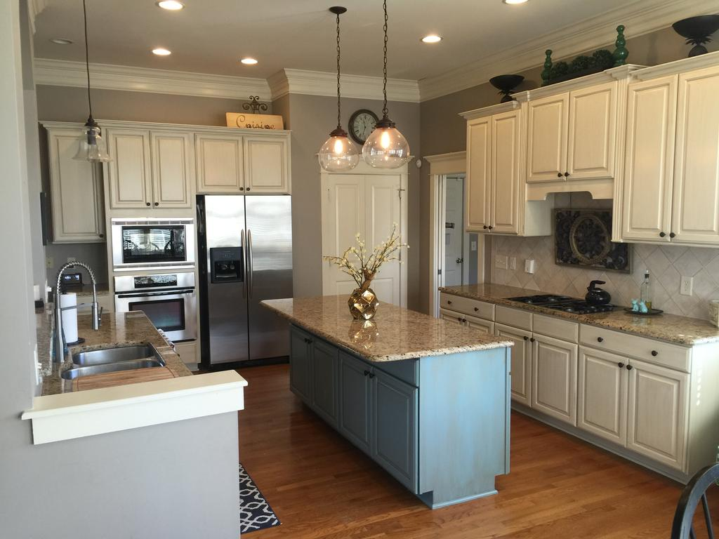 Kitchen cabinets with glaze - Sherwin Williams Antique White And Province Blue 2 Cabinet Girls
