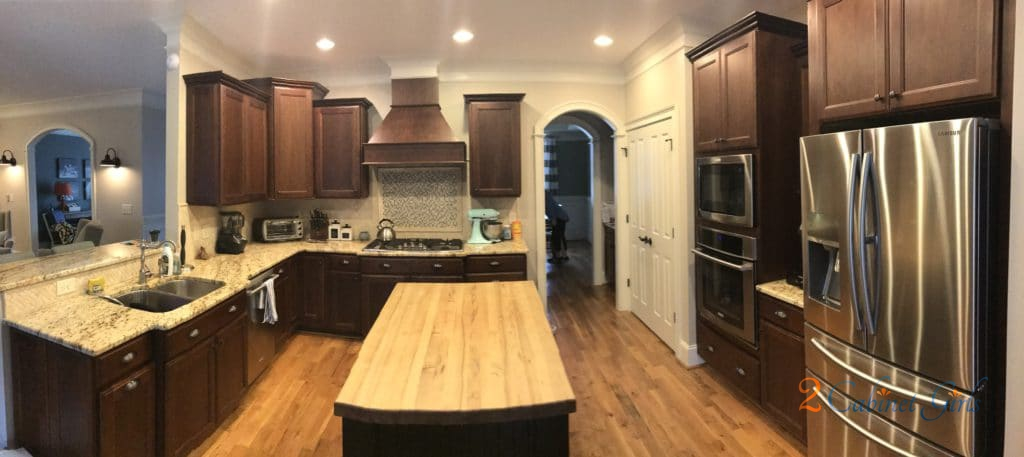 White Cabinets Kitchen Colors