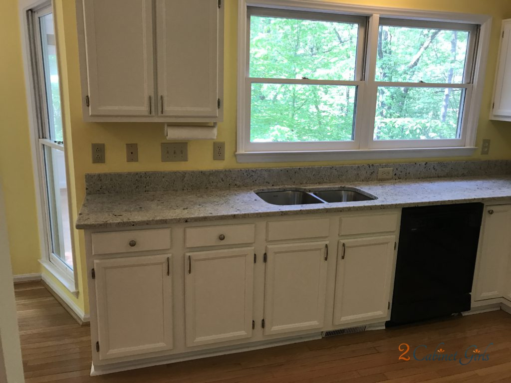 Kitchen Cabinets Painted Extra White in the Bond Pointe ...