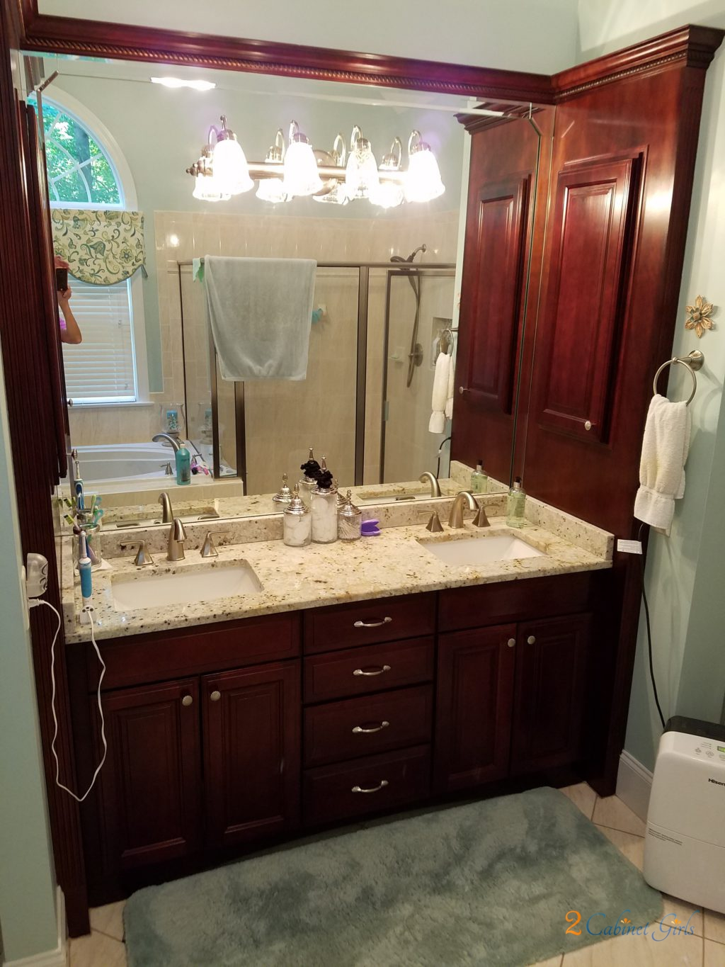 Chantilly Lace Master Bath 2 Cabinet Girls