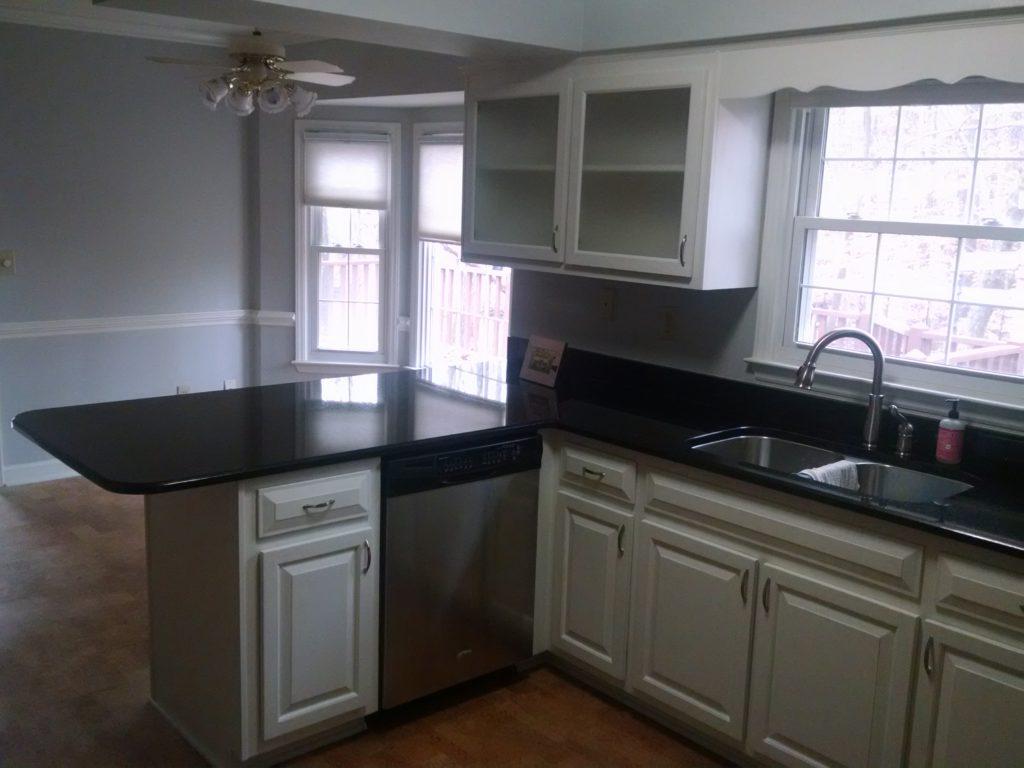 Alabaster Oak Kitchen 2 Cabinet Girls
