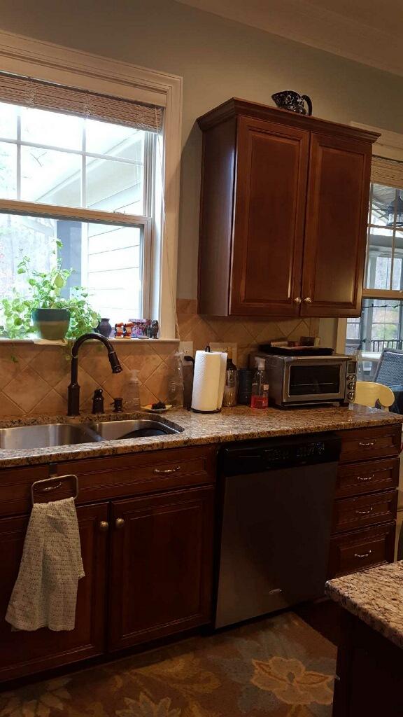 Extra White Amp Hale Navy Kitchen 2 Cabinet Girls