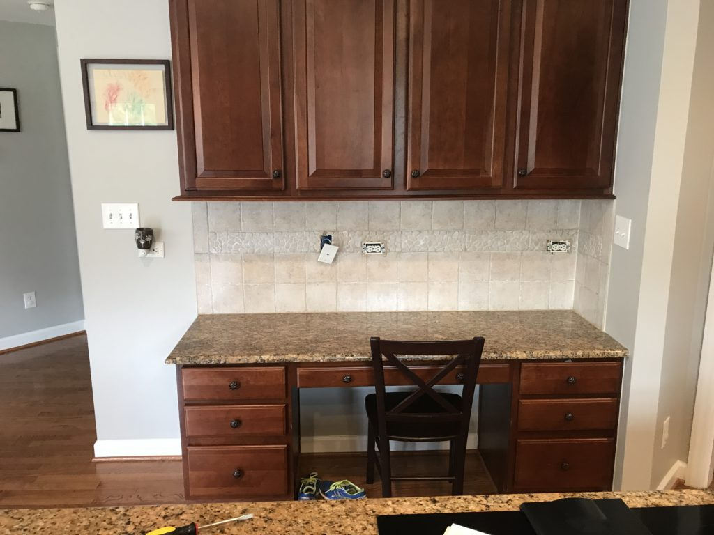 Whitewashed Travertine Backsplash 2 Cabinet Girls
