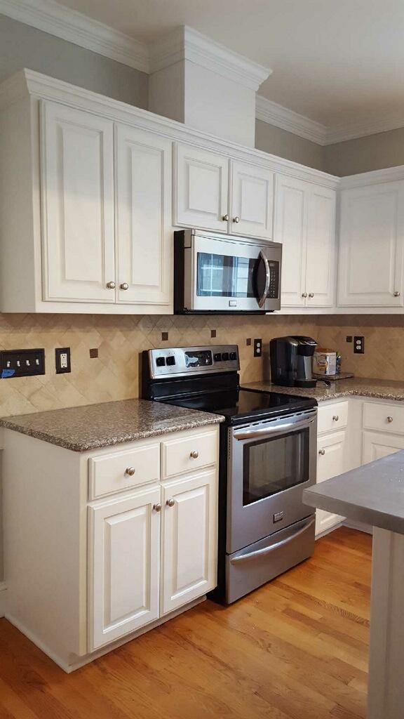 White Dove Kitchen - 2 Cabinet Girls