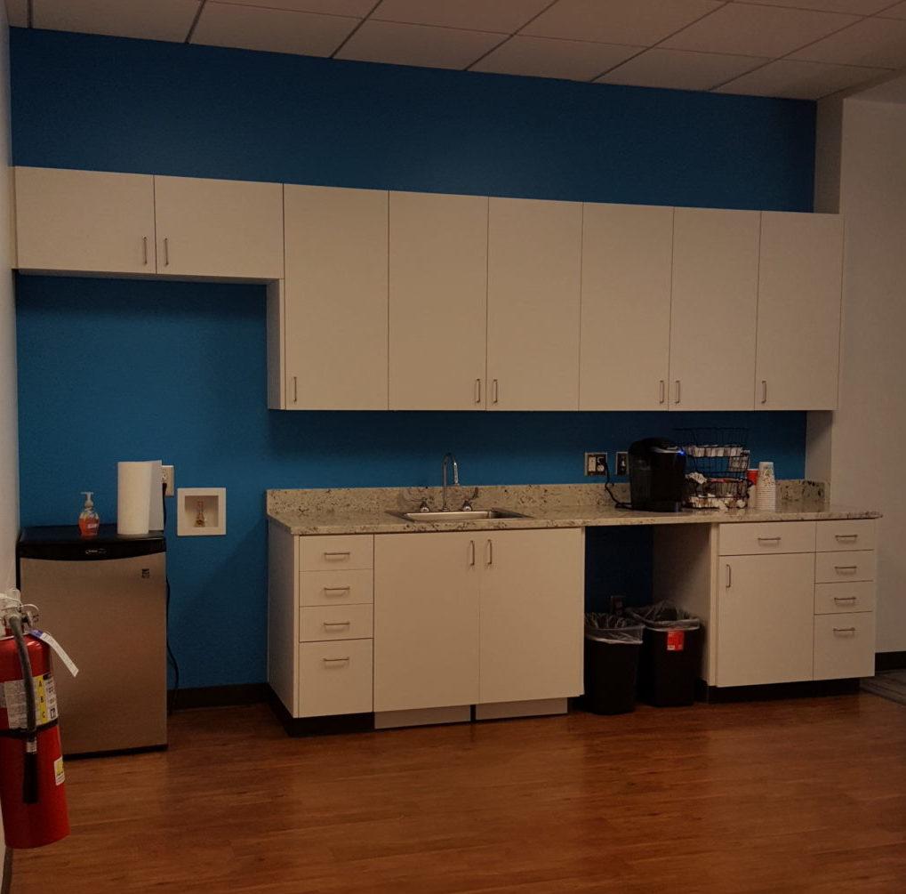 White Kitchen Cabinets Upkeep: Eider White Kitchenette