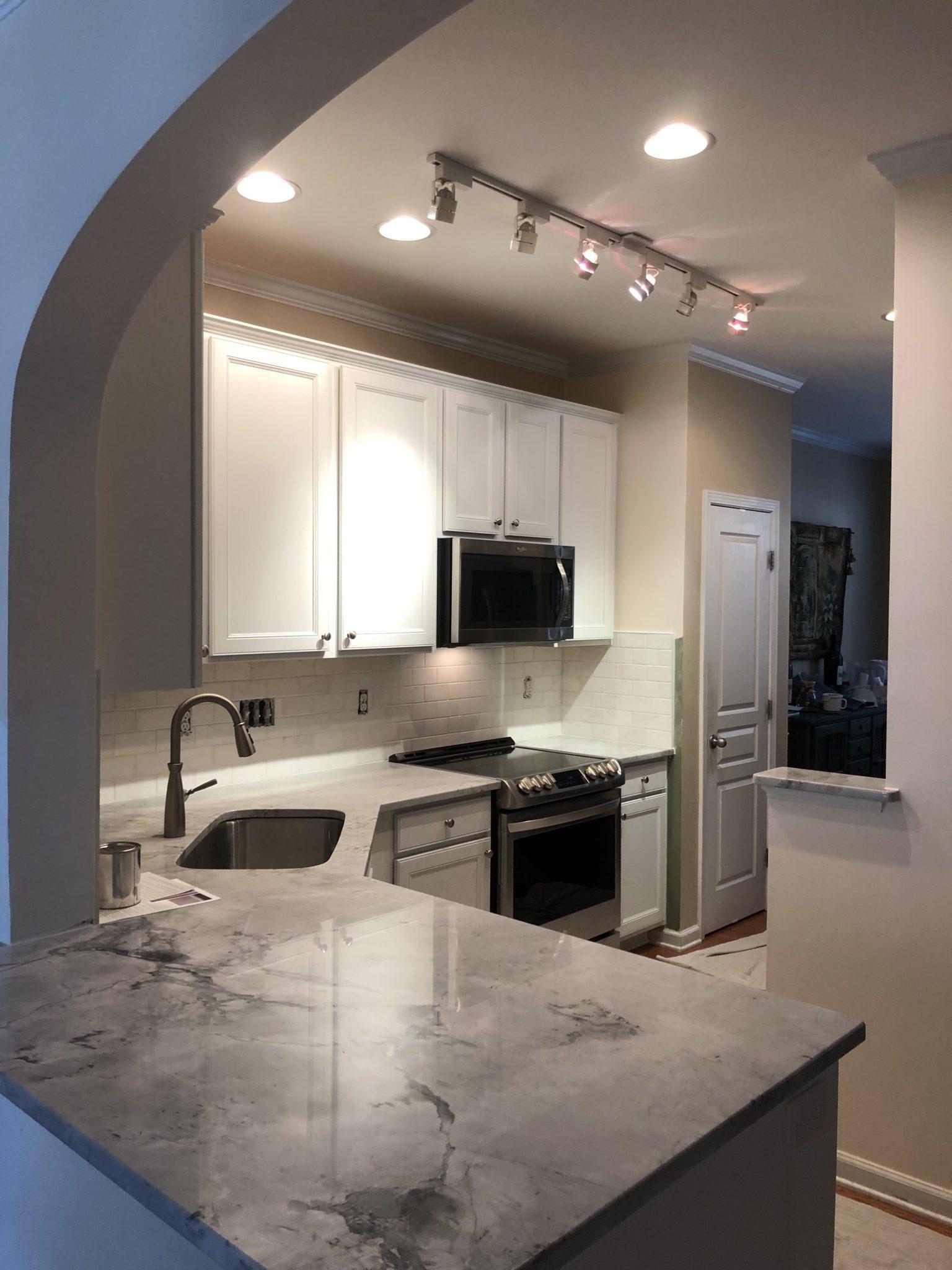 Ice Cube Kitchen 2 Cabinet Girls