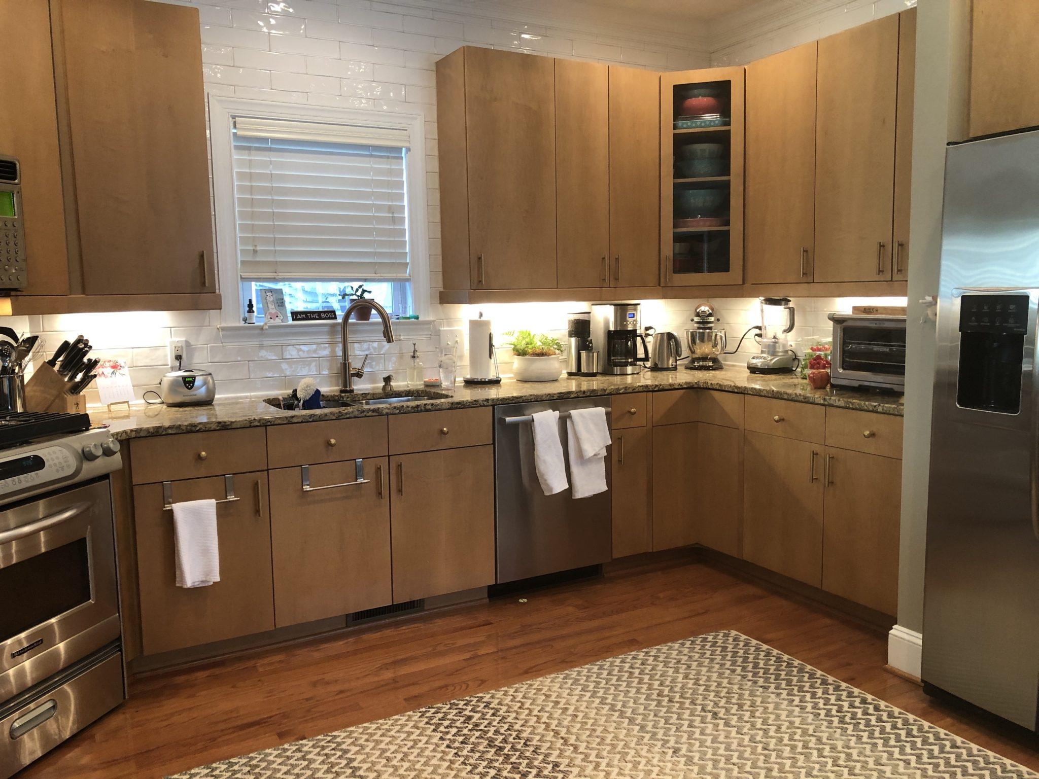 Hale Navy Flat Panel Kitchen Cabinets - 2 Cabinet Girls