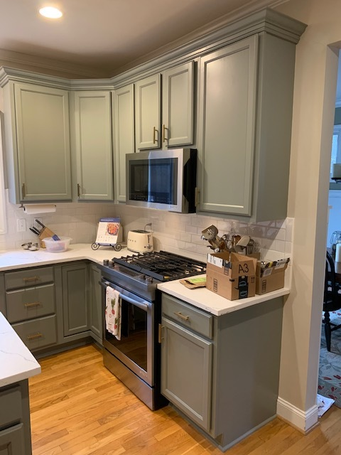 Chelsea Gray Kitchen Cabinets - 2 Cabinet Girls
